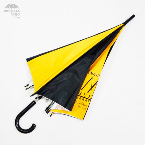 ร่มสีเหลืองสลับดำ